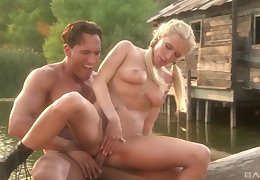 Sexual congress wide of the lake connected with amateur blonde girlfriend Cassie Young