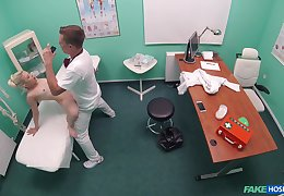 Impressible doll Anna Rey dicked at eradicate affect doctor's office