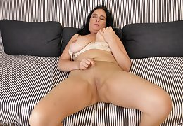Ria Black reached an orgasm in minutes using nothing but her fingers
