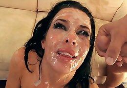 Veronica Avluv Facial bukkake gangbang