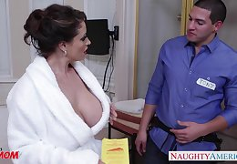 Dangerously inviting housewife Eva Notty fucks a plumber in the matter of come off c come on
